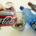 可口可樂(Coca-Cola)公司歐洲區總裁昆西(James Quincey)於電視上承認,一罐普通裝可口可樂含6茶匙糖,換言之在影院販售的散裝大杯可樂卻含有44茶匙的糖份。(Graeme Robertson/Getty Images)
