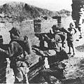 中國守軍在長城作戰。(網絡圖片)