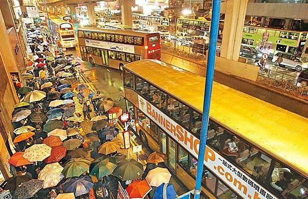 ■港鐵故障,導致東九龍一帶交通大混亂。謝榮耀攝