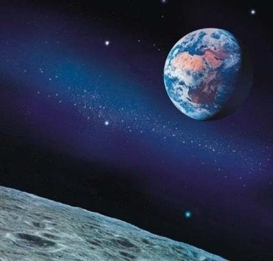 月球對人類一直是個謎和持續的話題。近日,網絡熱傳關於月球的各種驚人秘密以及美國為何不敢再登陸月球的原因。現在科學家認為,月球是以前人類所創造的。(網絡圖片)