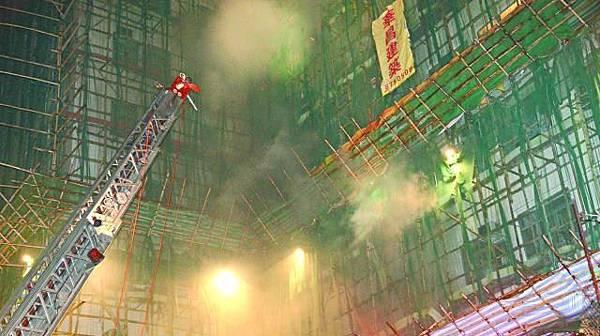 ■去年鰂魚涌中興大廈四級火,同是「小火變大火」。資料圖片