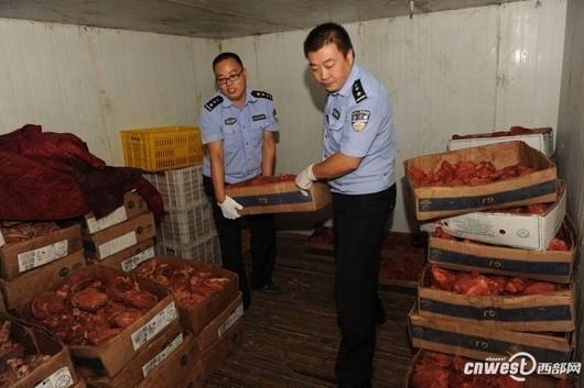 """中共治下道德都不知到哪去?中國堪稱 """"毒""""一無二毒食品煉獄國24小時前西安查獲17噸假牛肉用便宜豬肉製作。"""