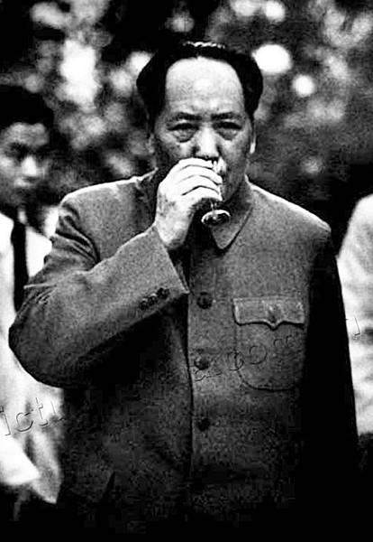 ●毛澤東(1893-1976) 統治中國27 年(1949-1976)。