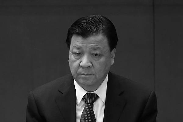 近日港媒披露,劉雲山在中共內部高級別的會議上常發牢騷,不滿自己的權力被架空,並攻擊中共總理李克強及中共國務院。圖為,2012年11月14日,中共十八大會議。 (Feng Li/Getty Images)