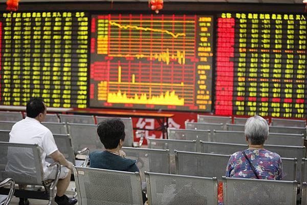 大陸股市遇「大寒」,跌破2000點創6個月新低。(Getty Images)