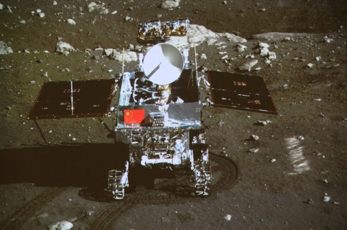 ●中共登月嫦娥3 號2013 年12 月14 日將月球車玉兔號軟著陸月球。