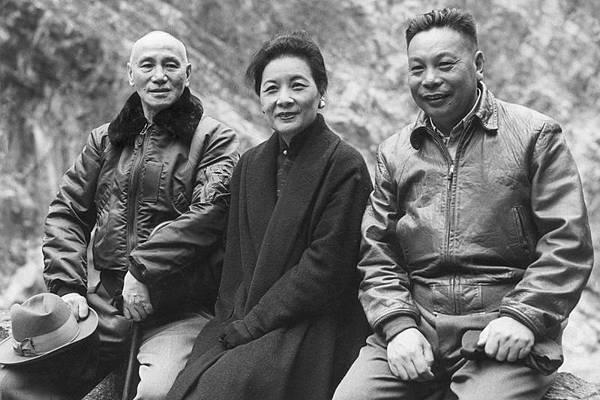 中國大陸有民眾在網上發帖揭示了蔣家清廉的事實,而蔣夫人宋美齡的侄子宋仲虎也曾在海外中文媒體撰文,回應  關於蔣宋家族斂財的謊言,所揭露真相,令人吃驚。(網絡圖片)