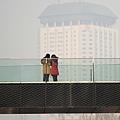 北京直到黃曆新年,都沒有出現初雪,即將破63年最晚降雪紀錄,或遇「無雪之冬」。圖為2014年1月15日的北京  一景。(WANG ZHAO/AFP/Getty Images)