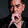 著名港星黃秋生Facebook「港罵」新華社自大狂
