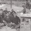 戰俘人生的抉擇-自願甄別。這些北韓戰俘決定被釋放後留在韓國。(網絡圖片)