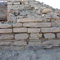 金字塔的牆壁上發現有銘文,研究人員認為,金字塔建成後很久才出現銘文和墓葬,和金字塔原來的目的並不相  關Credit: Courtesy Tell Edfu Project at the University of Chicago's Oriental Institute.