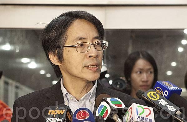 《明報》前總編劉進圖遭刺3刀 緊急送醫