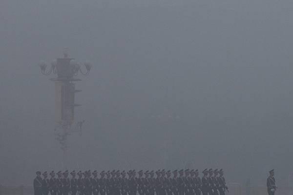 3月9日,雲南省副省長沈培平被調查,此前一天,深度捲入曾慶紅家族的女藝人梅婷被陸媒抛出,標誌著習江暫時達成的平衡又被打破。(Feng Li/Getty Images)
