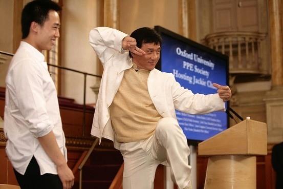 近年來醜聞不斷的香港影星成龍,在薄熙來事件後,被曝與薄瓜瓜關係密切。(網絡圖片)