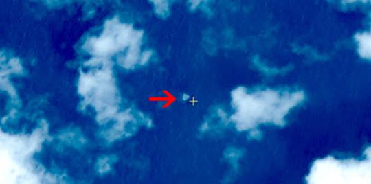 中共宣稱衛星高分一號衛星3月9日上午11點左右拍到在馬航失聯客機疑似失事海域觀測到3處疑似漂浮物體。(網絡圖片)