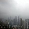 江澤民在深圳期間,香港的天氣黑白交替,雷雨交加(潘在殊/大紀元)