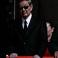 2009年,中共前總理朱鎔基大閱兵時穿「喪服」。(網絡圖片)