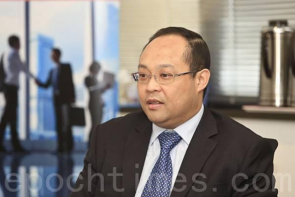 香港立信德豪會計事務所發佈報告顯示,創業板作為小型會新型上市公司集資板塊,整體也呈現復甦態勢。圖為立信德豪董事兼審計部業務發展總監林鴻恩。(余鋼/大紀元)
