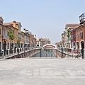 天津武清區地住房購買率100%,而入住率僅10%,淪為新鬼城。圖為2013年02月23日,天津武清小鎮。(大紀元資料室)