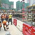 ■港鐵稱因無法預計西九總站B4層有花崗岩而要延工,但密件顯示港鐵2010年已知情。