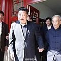 5月4日,習近平到北京大學,探訪了87歲的著名哲學教授湯一介。湯一介曾在「89學運」時與其他學者聯署,要求當局釋放政治犯。(微博圖片)