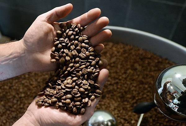 康乃爾大學最新研究顯示,咖啡可以讓眼睛退化減緩。(PIERRE ANDRIEU/AFP/Getty Images)