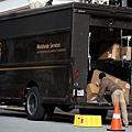 UPS錯誤遞送,美民眾購買的舉重板凳,沒想到收到造價35萬美元的無人機零件。(Justin Sullivan/Getty Images)