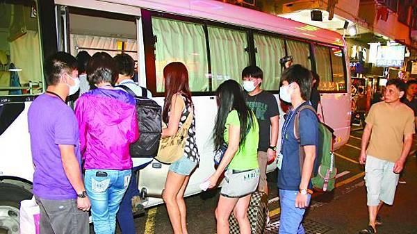 ■油尖警區特職隊上周在油麻地掃黃拘捕21名妓女。資料圖片