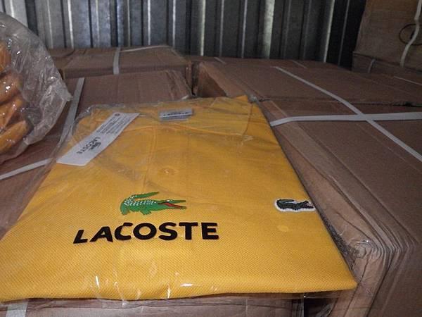 涉案的假貨在中國製造,包括鱷魚牌襯衣。(新澤西紐瓦克聯邦法庭網站)