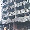 近日,有大陸網站再發表文章《99年中國使館被炸後江澤民講話 讓國人心寒》質疑江澤民在1999年5月8日中共駐南斯拉夫使館被炸後所扮演的角色。圖為,被炸毀的中共大使館。(網絡圖片)