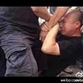 參展的北京獨立電影人在微博貼出有人遭毆打的現場照片,網民紛紛轉發。(微博圖片)