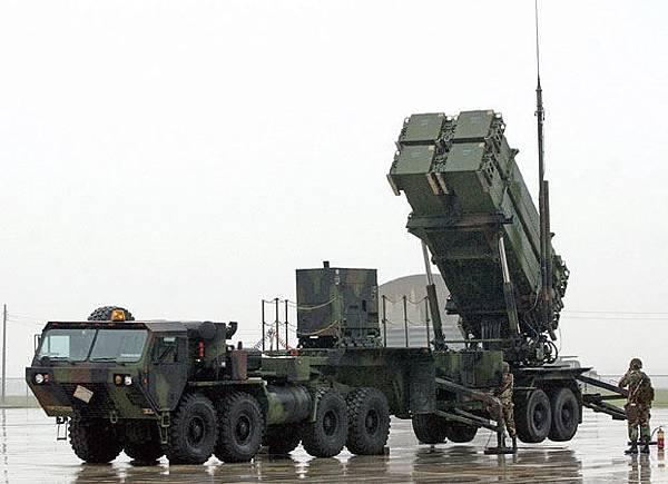 2016年1月13日,美國空軍從德州布利斯堡(Fort Bliss)調派一個愛國者防空飛彈連支援韓國首爾附近的烏山空軍基地。(AFP)