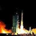中國目標飛行器「天宮一號」,2018年4月2日早上8時15分墜入地球大氣層,再落入南太平洋中部區域,絕大部分器件在墜入大氣層過程中燒毀。圖為資料照。(STR/AFP/Getty Images)