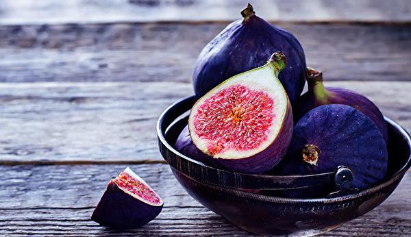 富含鈣質的食物之二:無花果。(Shutterstock)