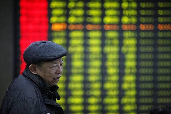 6月21日,大陸A股三大股指全面下跌,其中滬指失守2,900點,創近兩年收市新低。(大紀元資料室)