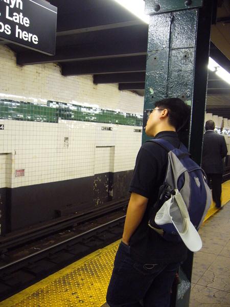 骯髒的地鐵,疲倦的旅人