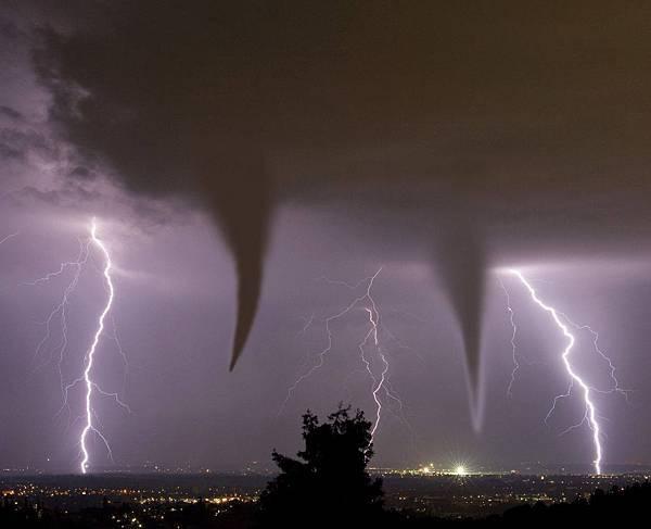 光明的風暴
