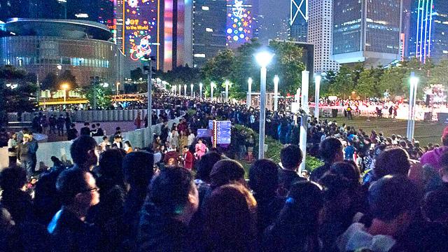 香港跨年煙火攻略阿金_港島_添馬公園_4.jpg