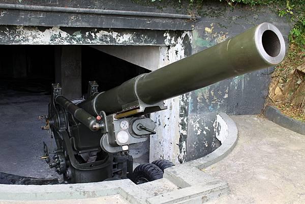 獅山砲陣地 八吋榴彈砲