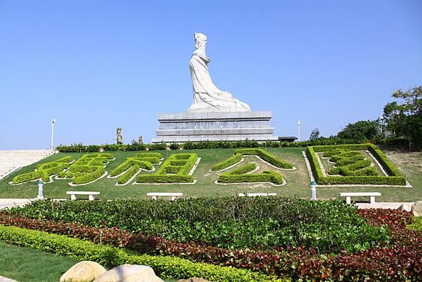 媽祖公園上方媽祖神像