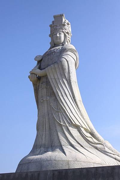 高大莊嚴的媽祖聖像