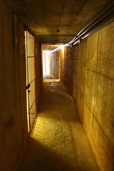 勇士堡地底坑道