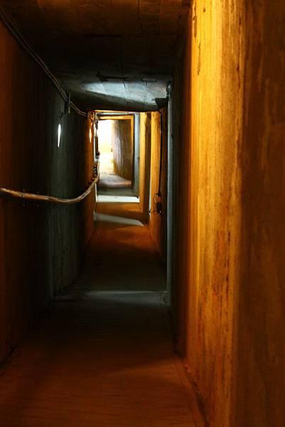 鐵漢堡的地下坑道