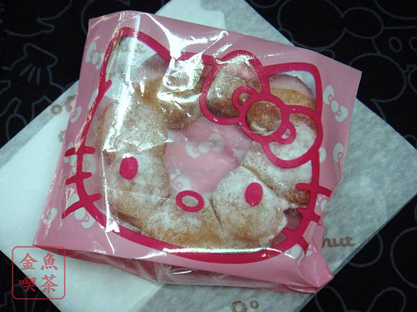 mister donut kitty 莓果波堤45元