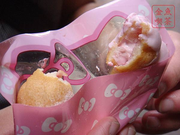 mister donut kitty莓果波堤 內餡