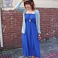 淘寶 飾女巫 寶藍色好亮眼