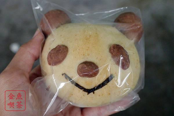 台南 吉田萬屋 貓熊紅豆麵包