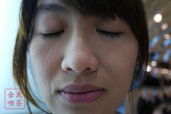 CEZANNE絲漾高保濕防曬粉餅 EX3 完妝室內近拍