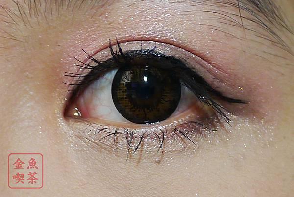 華爛漫眼妝 加上睫毛膏眼線