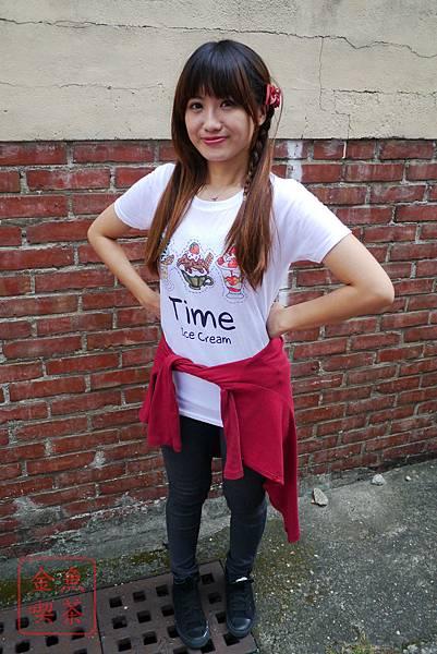 東京著衣 可愛字母印花圓領白T-冰淇淋 實穿